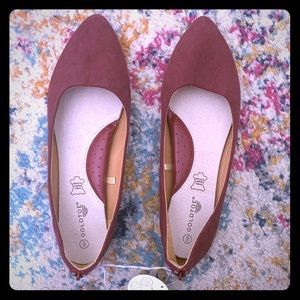 GoldToe Pointed Flats
